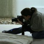 scattando foto in posizioni strampalate